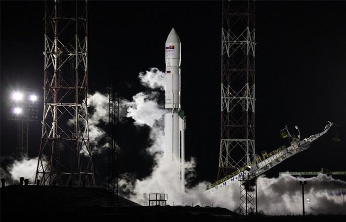 """Специалисты  РКК """"Энергия"""" установили связь с ангольским спутником"""