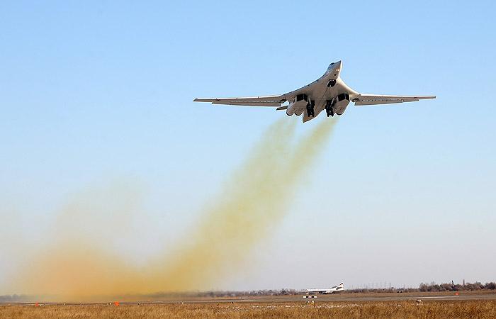 Рогозин сообщил о первых летных испытаниях нового Ту-160 в конце января