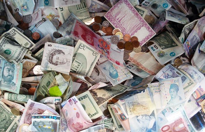 Минфин закупит рекордный месячный объем валюты