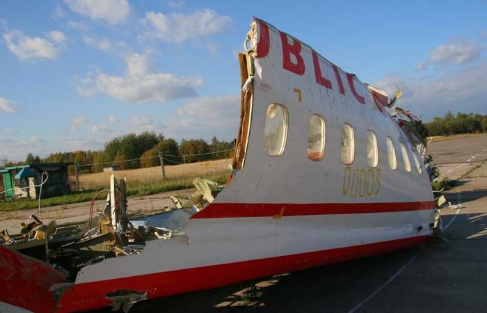 Польша назвала взрыв на борту причиной крушения самолета Качиньского