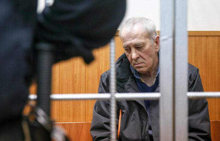 Водителя съехавшего в подземный переход автобуса отправили под домашний арест