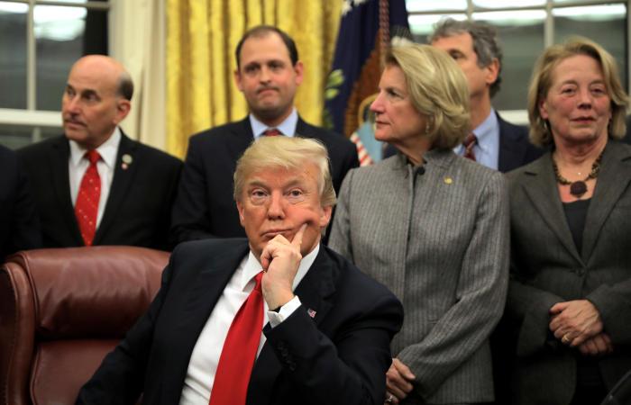Трамп в грубой форме отклонил проект миграционного соглашения