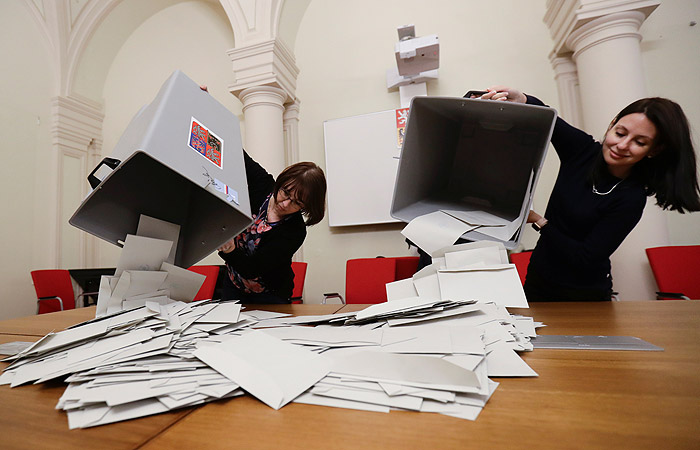 Милош Земан выбился в лидеры на выборах президента Чехии