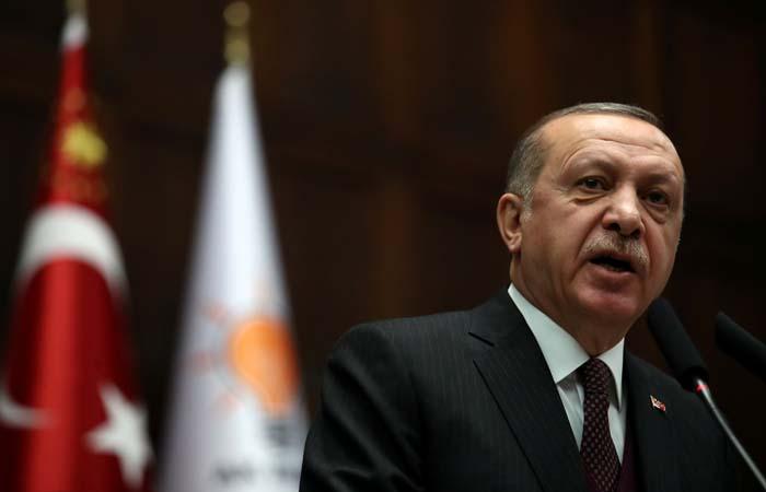 Турецкие военные открыли огонь по позициям курдов на севере Сирии