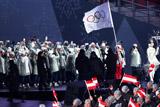 На церемонии открытия ОИ российские спортсмены прошли под олимпийским флагом