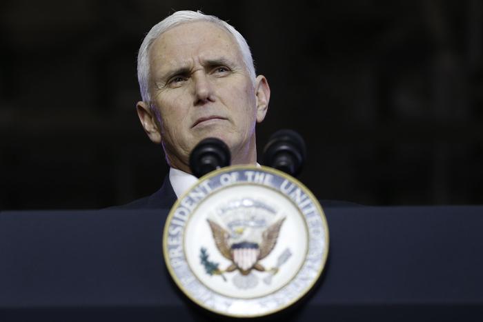 Вице-президент США Пенс заявил о единстве с Южной Кореей в вопросе ядерной программы КНДР