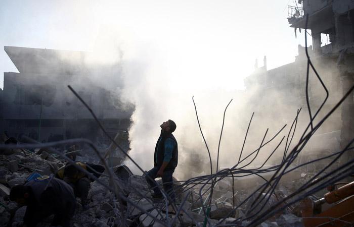 В Кремле переадресовали в Минобороны вопрос об участии россиян в боях в Сирии