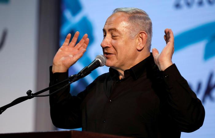 Полиция настояла на обвинении премьер-министра Израиля