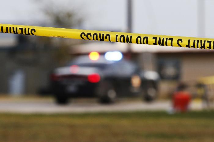 В школе американского штата Флорида неизвестный начал стрельбу