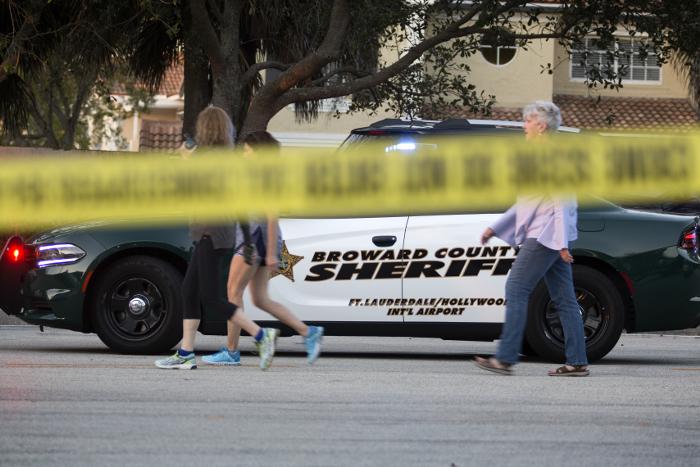 Шериф подтвердил гибель 17 человек в результате стрельбы в американской школе