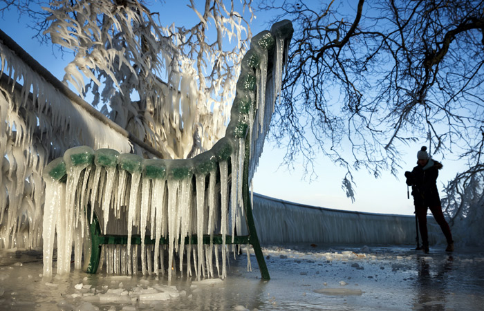 В Европе из-за аномальных холодов и снегопадов погибли 10 человек