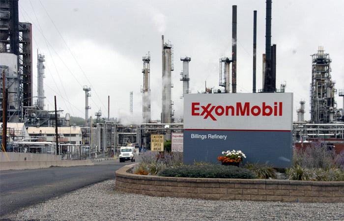 """ExxonMobil решила выйти из СП с """"Роснефтью"""" из-за санкций"""
