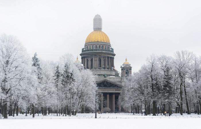 Директор Исаакиевского собора усомнился в его передаче РПЦ