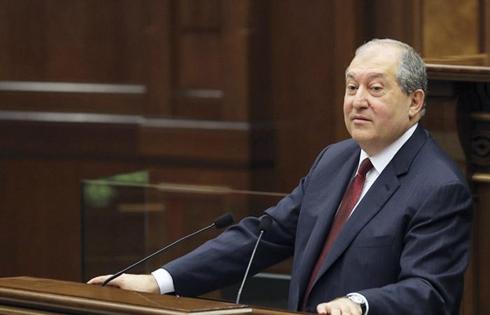 Президент Армении создает свою партию