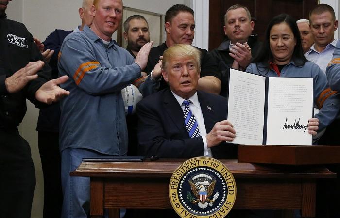 Трамп объявил о введении пошлин на импорт стали и алюминия в США