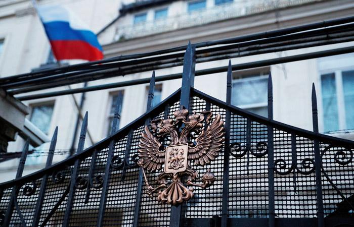Посольство РФ в Лондоне запросит консульский доступ к дочери Скрипаля
