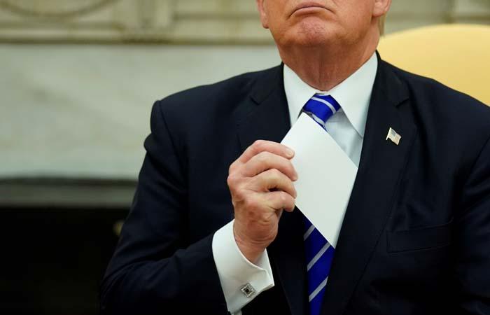 WP: ассистенты Трампа говорили ему непоздравлять В.Путина спобедой