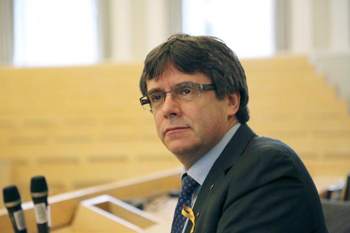 Испанский судья выдал европейский ордер на арест Пучдемона