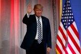 """СМИ узнали о согласии Трампа на высылку """"десятков"""" российских дипломатов"""