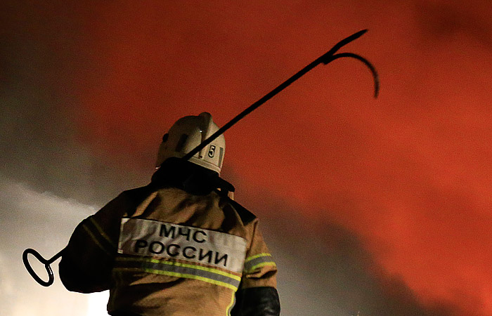 Три ребенка иженщина погибли в коммерческом центре— Пожар вКемерово