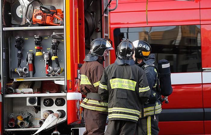 Пожар вкемеровском коммерческом центре частично локализовали