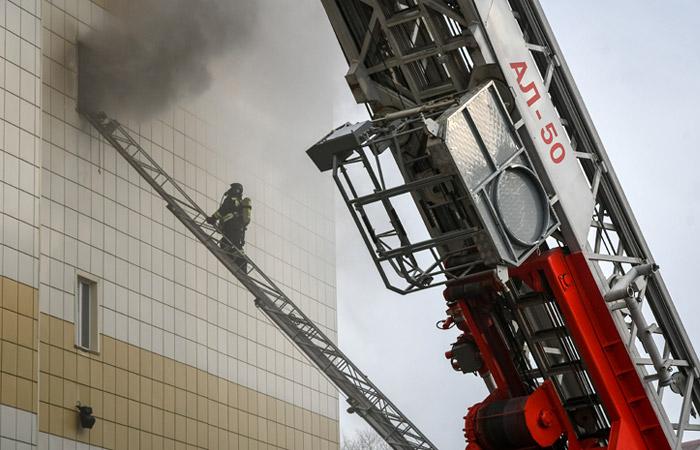 Сотрудник ЧОП отключил оповещение о пожаре в ТЦ в Кемерове