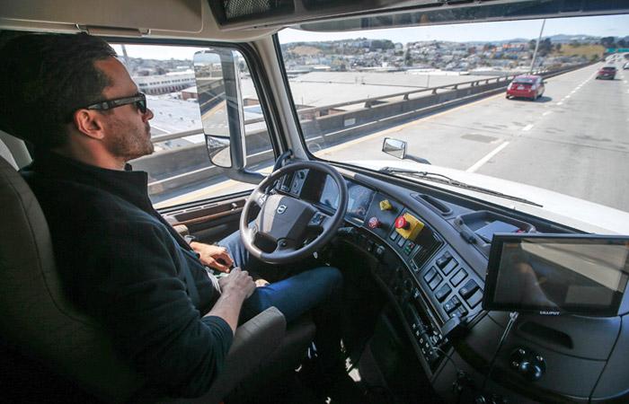 Разработка беспилотных автомобилей в США столкнулась с новыми трудностями