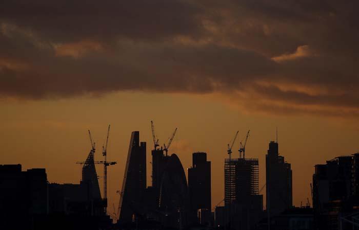 СМИ сообщили о возможном запрете на продажу долговых бумаг РФ на фондовом рынке Лондона