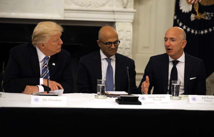 Washington Post заподозрила Трампа в зависти к главе Amazon