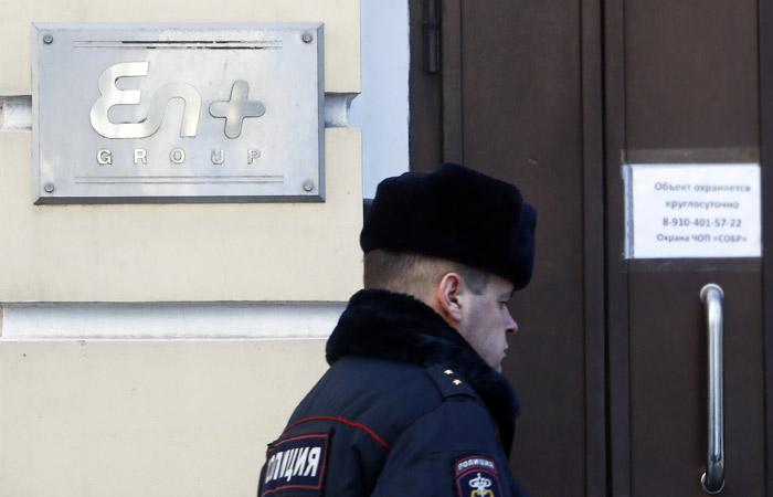 Правительство РФ окажет поддержку подпавшим под санкции США компаниям