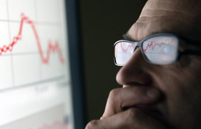 Падение индексов Мосбиржи и РТС достигло 9-11%