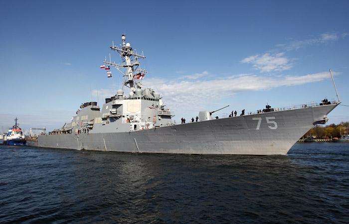 Ракетный эсминец ВМС США подошел на 100 км к российской базе в Сирии