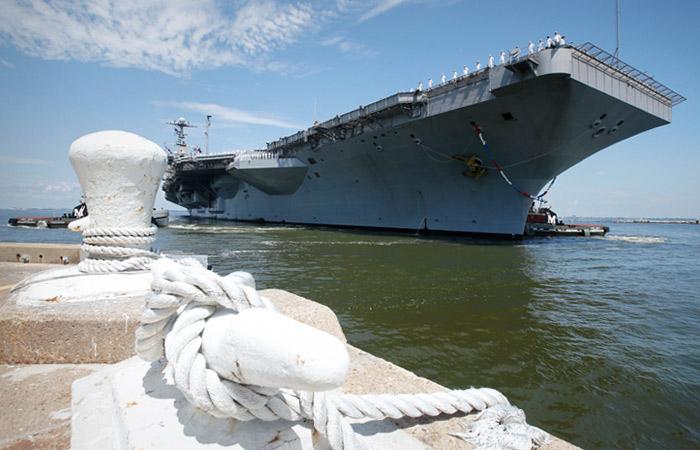 В Генштабе РФ оценили сроки прибытия американского авианосца в Персидский залив