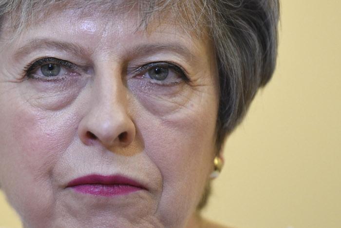 Британский премьер заявила о приказе военным приступить к операции в Сирии