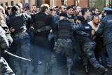 Лидер протестного движения в Ереване призвал блокировать парламент