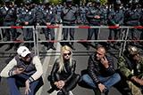 В Армении лидер оппозиционного движения объявил бархатную революцию