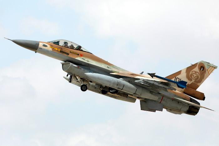 ВВС Израиля обстреляли сирийскую базу в Хомсе