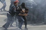 Полиция Еревана<noindex> <a  target=_blank   href=/index4.php ><big>начала</big></a></noindex> пресекать собрания людeй