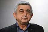 Премьер Армении ушел в отставку после массовых протестов