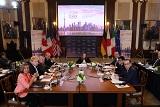 """""""Большая семерка"""" пригрозила ужесточить санкции против Москвы"""