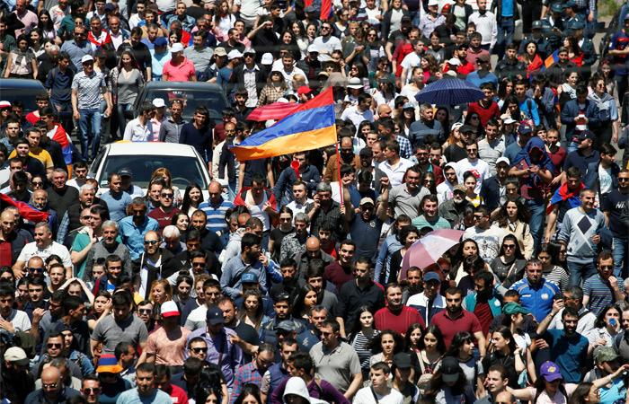 В Армении начала распадаться правящая коалиция