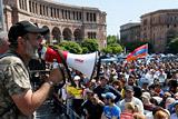 Пашинян счел неправильным сравнение протестов в Армении с майданом на Украине