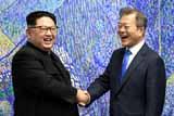 Президент Южной Кореи впервые в истории ступил на территорию КНДР