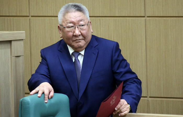 Источник сообщил о вероятных отставках глав Якутии и Алтайского края