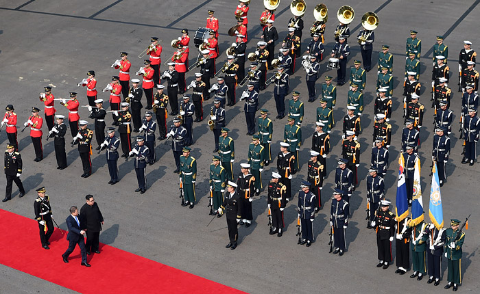 Южнокорейские военные не стали отдавать честь Ким Чен Ыну