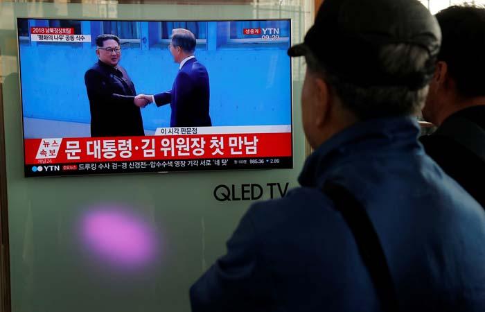 Прямые переговоры лидеров Северной иЮжной Кореи начинаются награнице 2-х стран