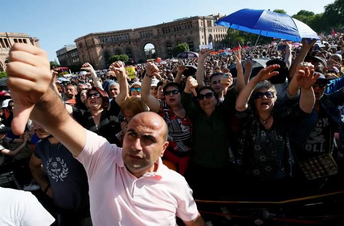 Пашинян объявил кампанию тотального гражданского неповиновения в Армении