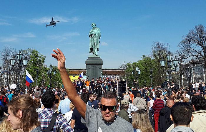Полиция сообщила о задержании 300 человек на акции оппозиции в Москве