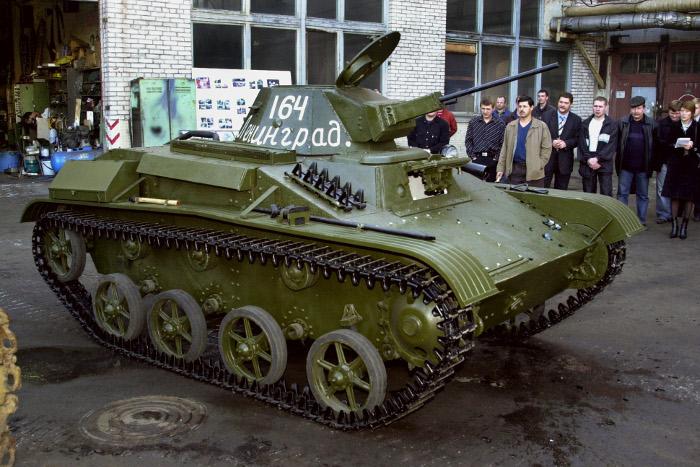 Уголовное дело о падении людей с танка возбуждено в Петербурге
