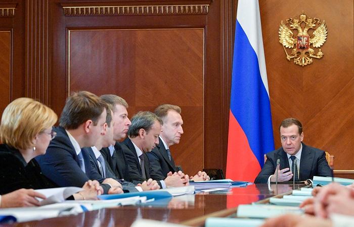 Правительство РФ 7 мая уйдет в отставку